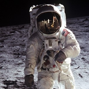 ipad_30673_space_mission_astronaut_on_the_moon